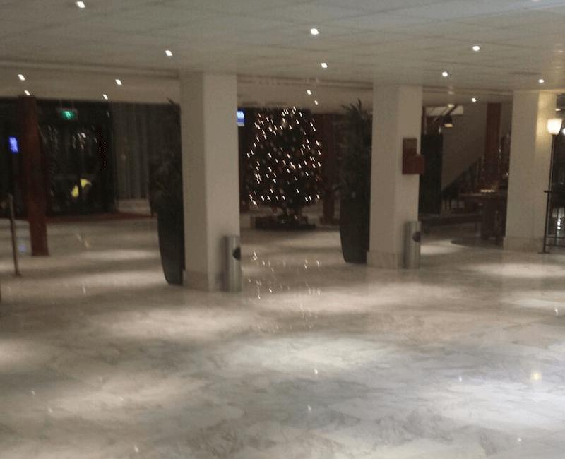 Natuurstenen vloer onderhouden