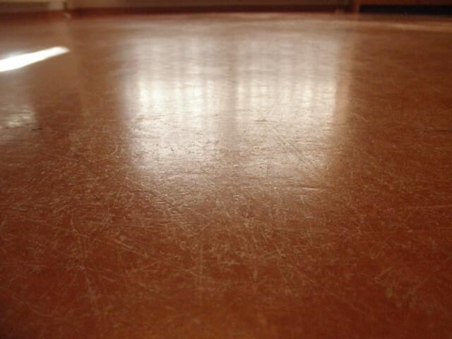 Linoleum of marmoleum vloeren weer als nieuw jnc vloeronderhoud
